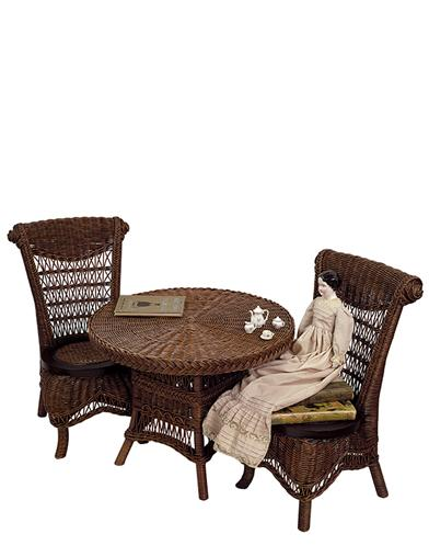 Childrens Wicker Table & Chairs (Brown)