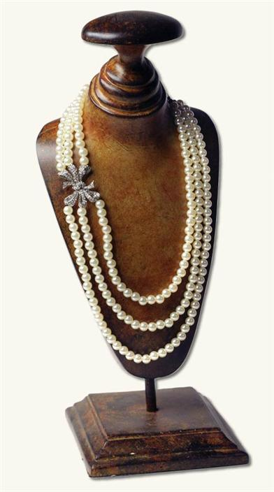 Anna Karenina Pearl Necklace