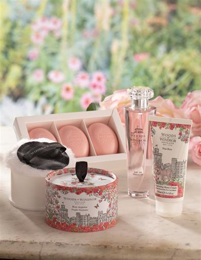 Woods Of Windsor True Rose Powder