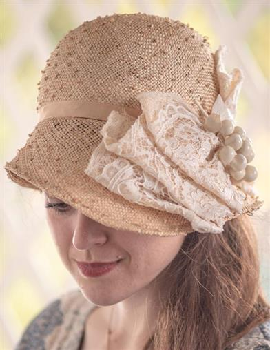 Jeanne Marie Ivory Bow Cloche