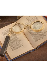 La Traviata Magnifying Glass