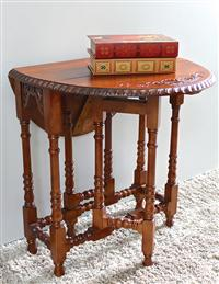 Windsor Carved Wood Mahogany Oval Table