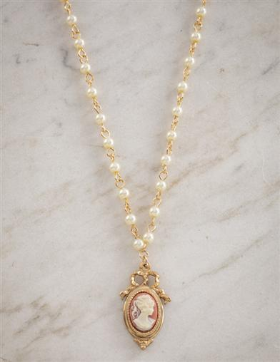 La Belle Epoque Cameo Necklace