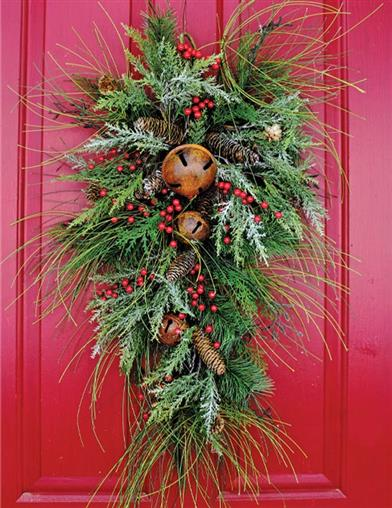 Bell & Berry Holiday Door Swag
