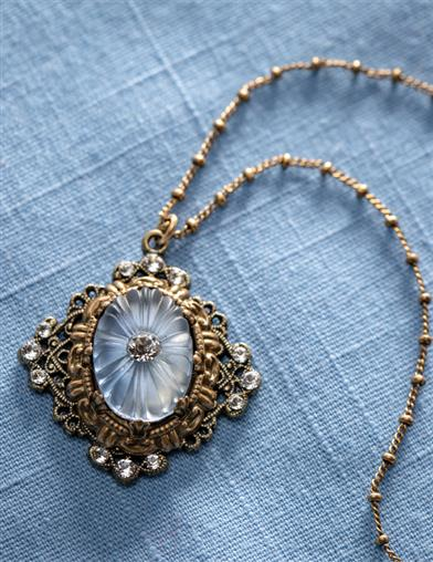 Opalescent Edwardian Vault Necklace