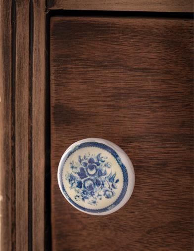 Delft Blue Floral Drawer Pulls
