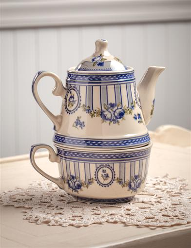 French Blue Toile Tea-for-one